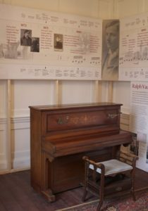 vws_piano-room